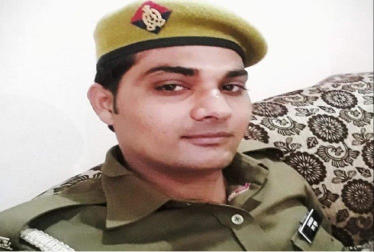 police shot himself bijnor